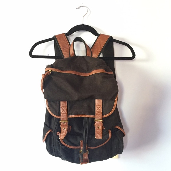 8080dc25220c BDG - Canvas Backpack. M 568bdeffc7dcbf10870ac125