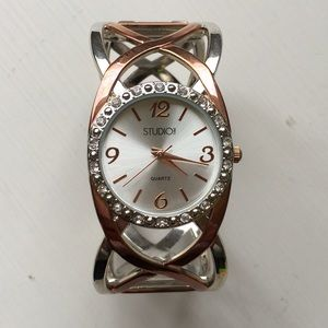 Accessories - Rose Gold Clasp Watch