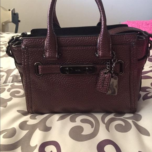 358cbf468d3f Coach Handbags - Coach swagger 20 bag