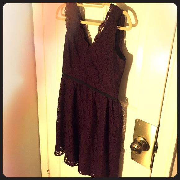 Lace Dresses Outlet