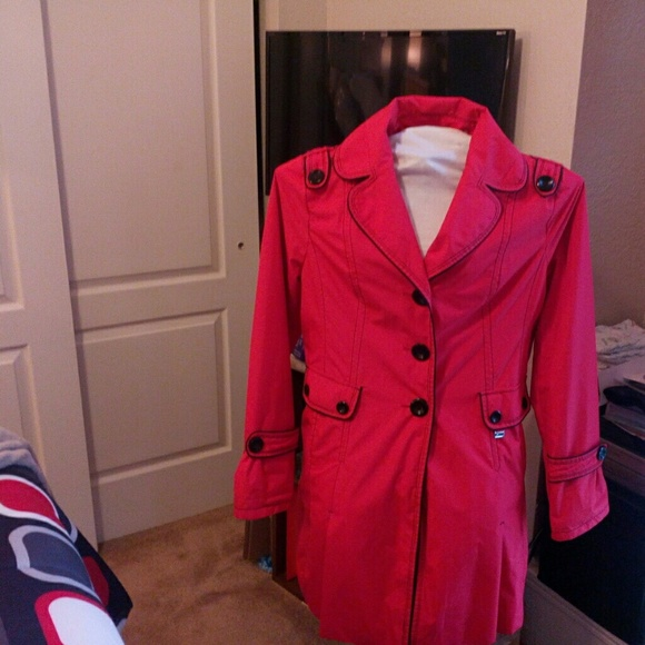 63% off Guess Jackets & Blazers - Sale Very Beautiful Guess trench ...