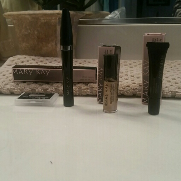 Mary Kay Other - Mary Kay makeup bundle