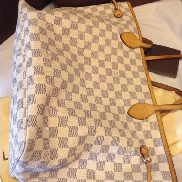 Louis Vuitton Bags - Selling my used LV purse, good shape