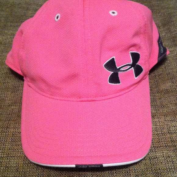 Under Armour women pink cap NWOT. M 568c2c2ec284565ed10060db 873c8f5a467