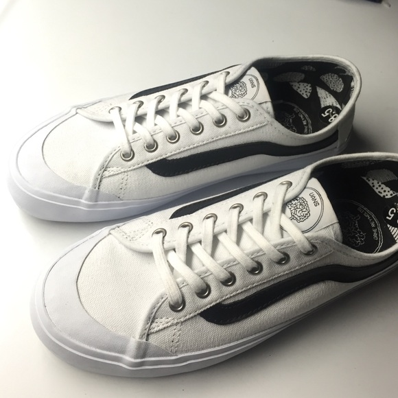b1d74661be white vans surf siders. M 568c505abcd4a7227b0086f3
