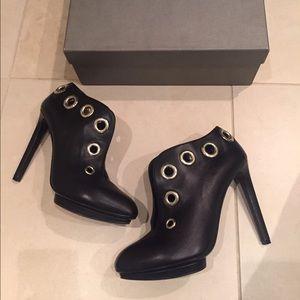 Alexander McQueen Shoes - Alexander McQueen booties
