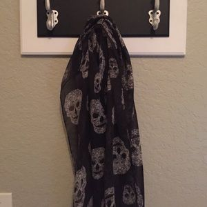 Accessories - Skull black scarf