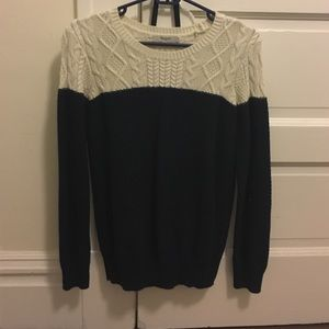 Madewell cableknit sweater (navy blue and white)