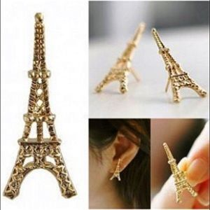 👍HOST PICK👍 Paris Eiffel Tower stud earrings