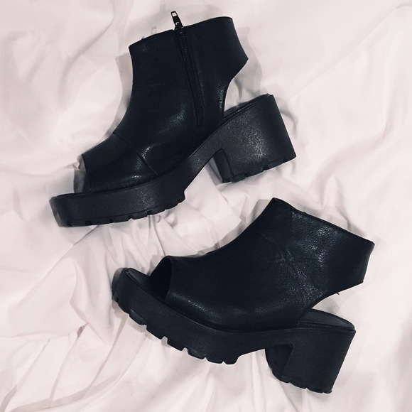 f68d70ce8816 Open toe ankle boots