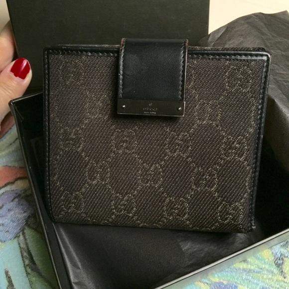 e7cfd412217 Gucci Handbags - 💥💥💯% Authentic GUCCI wallet💥💥