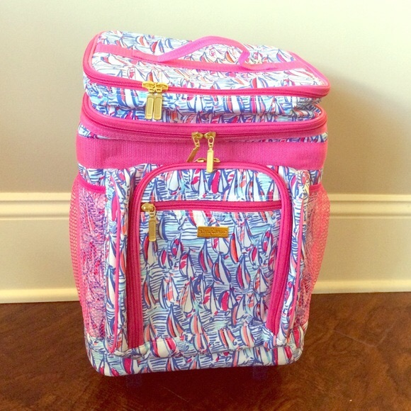 44% off Lilly Pulitzer Handbags - Lily Pulitzer Rolling Beach ...