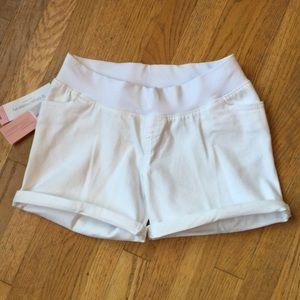 Liz Lange Pants - NWT🚨LIZ LANGE Under the Belly Maternity Shorts