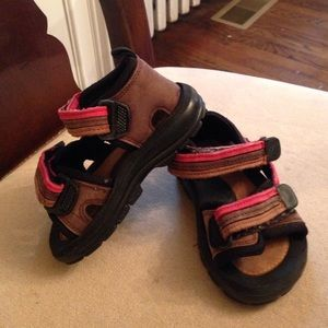 Umi Shoes - Umi size 22 brown, red & black sandals barely used