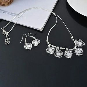 Jewelry - Sale! Silver pl heart filigree necklace & earrings