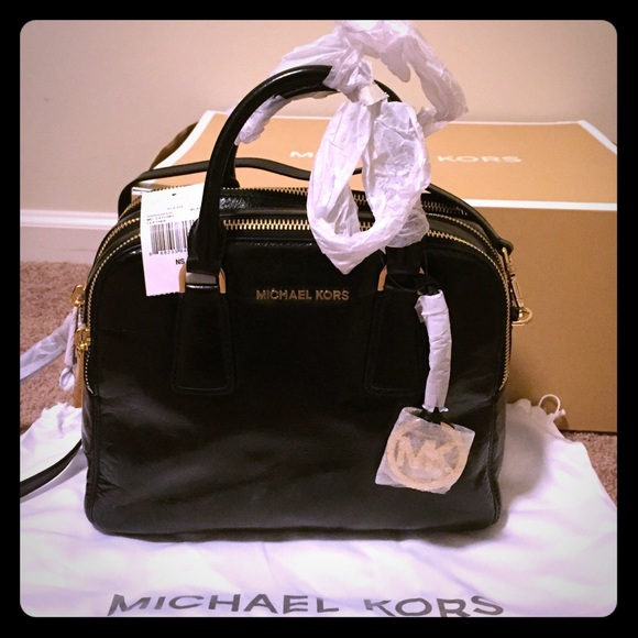 Michael Kors Alexis satchel in black leather bdb3dc8e65179