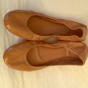 Tory Burch Size 8 Nude flats