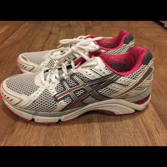 Women's ASICS Gel Foundation 10