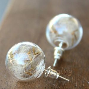 Jewelry - Beautiful dandelion good luck earring