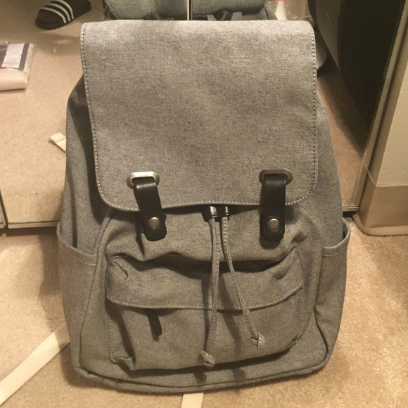 Everlane Handbags - Everlane modern snap backpack c71472a3c3b2e