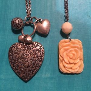 Jewelry - Flowers and hearts necklace duo