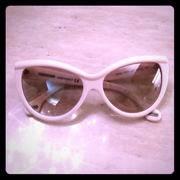 c80c474823ba Tom Ford Anouk Sunglasses. M 568e082db5643e5d23009745