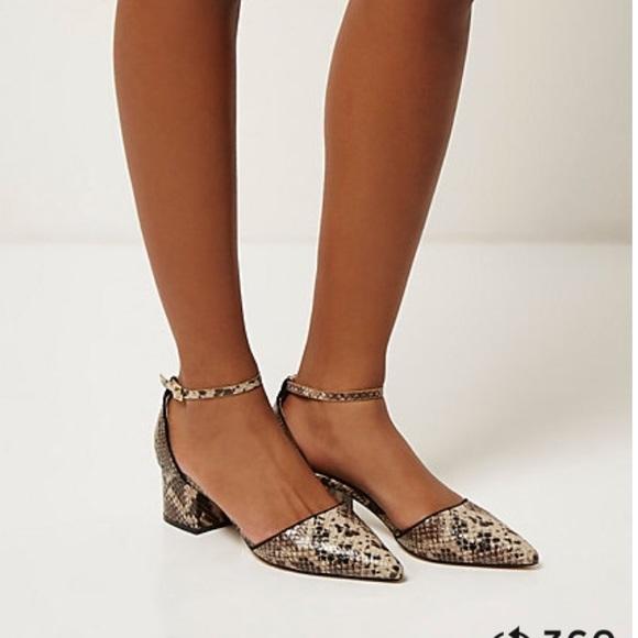cbb80e08e43 Snake print shoes