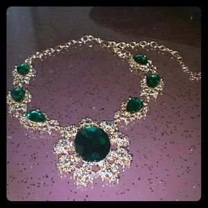 💎Rose Gold Emerald Necklace. Too cute! NWT👑