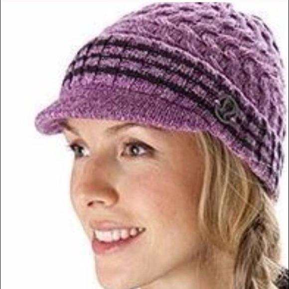 1441814aa6a lululemon athletica Accessories - Lululemon Striped Brimmed Beanie
