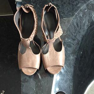 Hoss Irtropia leather heels