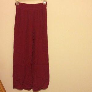 Pants - Flowy maroon pants small