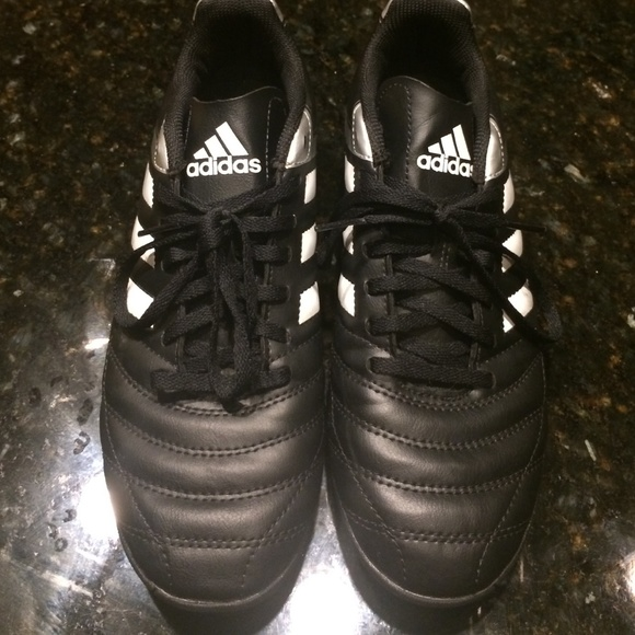 Adidas Shoes - Adidas Women s Sz 7 Indoor Soccer Cleats a3700bad7