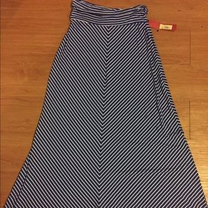 Maxi skirt. Blue and white