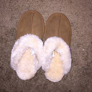 FURRY SLIPPERS MOSSIMO