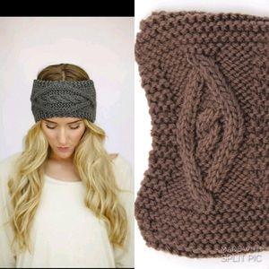 NWOT headscarf ear muff ❄️