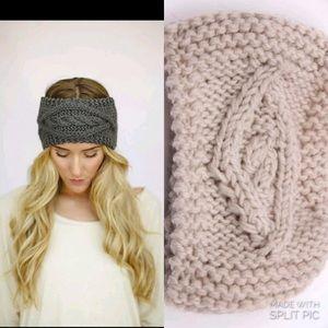 NWOT headscarf earmuffs ❄️