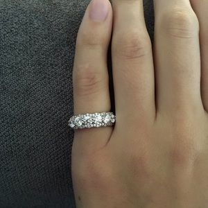 Silver Round Cut ring wedding band/engagement ring