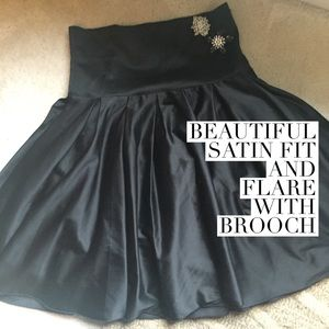 Dresses & Skirts - Amazing formal skirt