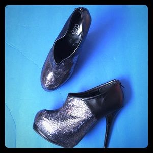 Shoes - Sparkling Party Booties