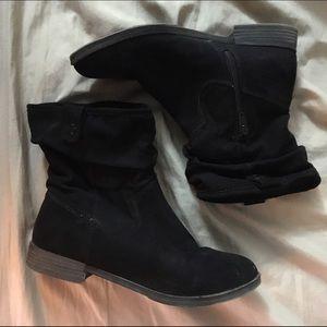 ✨FLASH SALE✨ Merona Black Faux Suede Ankle Boots