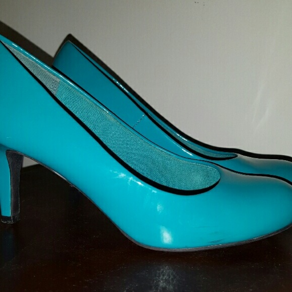 top brands new images of get new 🚫SOLD🚫Turquoise mid heel patent pumps
