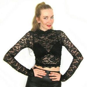 SALE! NWT Black Lace Long Sleeve Crop Top Size S