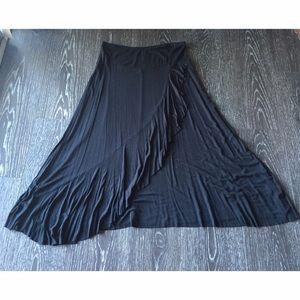 Dresses & Skirts - Maxi w/ruffles
