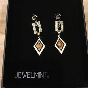 Jewelmint Jewelry - Jewelmint geometric shift earrings