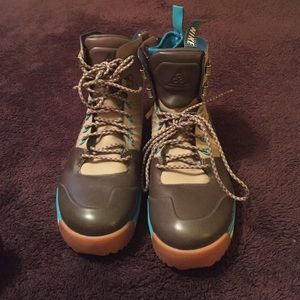 4fdf419d9d Nike Shoes - Nike winter waterproof boots with insert