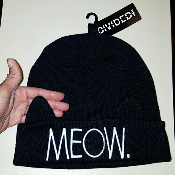 5e29242b4 H&M Meow knit hat with cat ears! Adorable! NWT