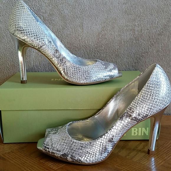 8276b74dbfd0bb New Gianni Bini Leather heels in snake skin print