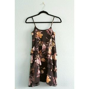 Topshop | NWT Floral Tiered Dress