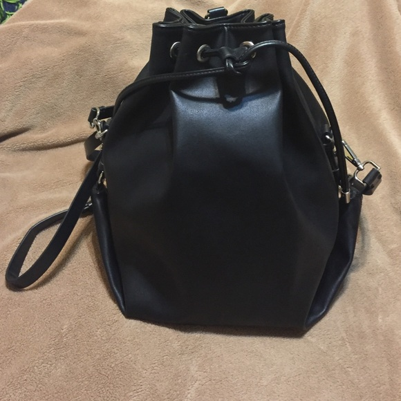 Zara Handbags - Zara Bucket Bag