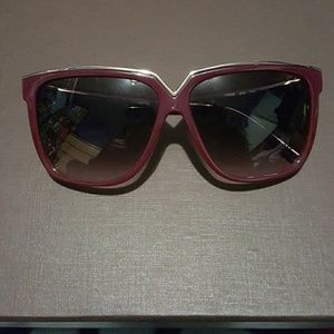 Valentino Accessories - Valentino V605S 606 sunglasses